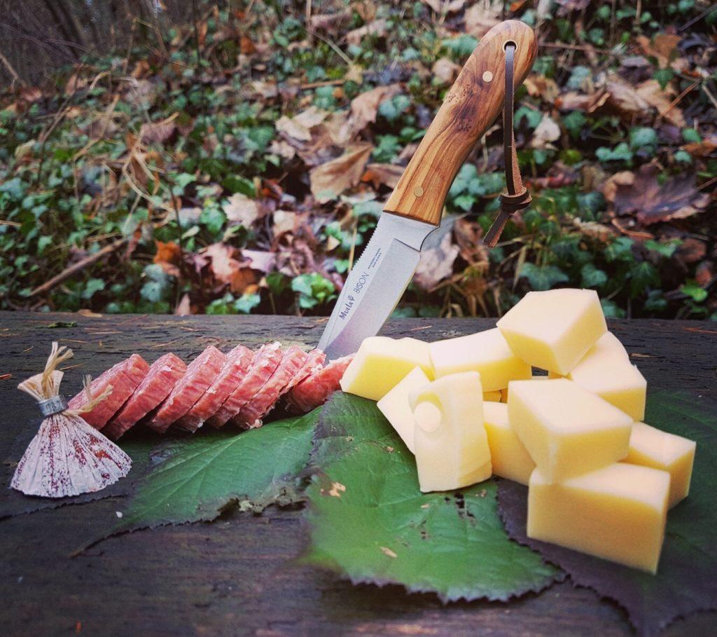 Wandern in Thüringen - Wurst und Käse zum Mittag