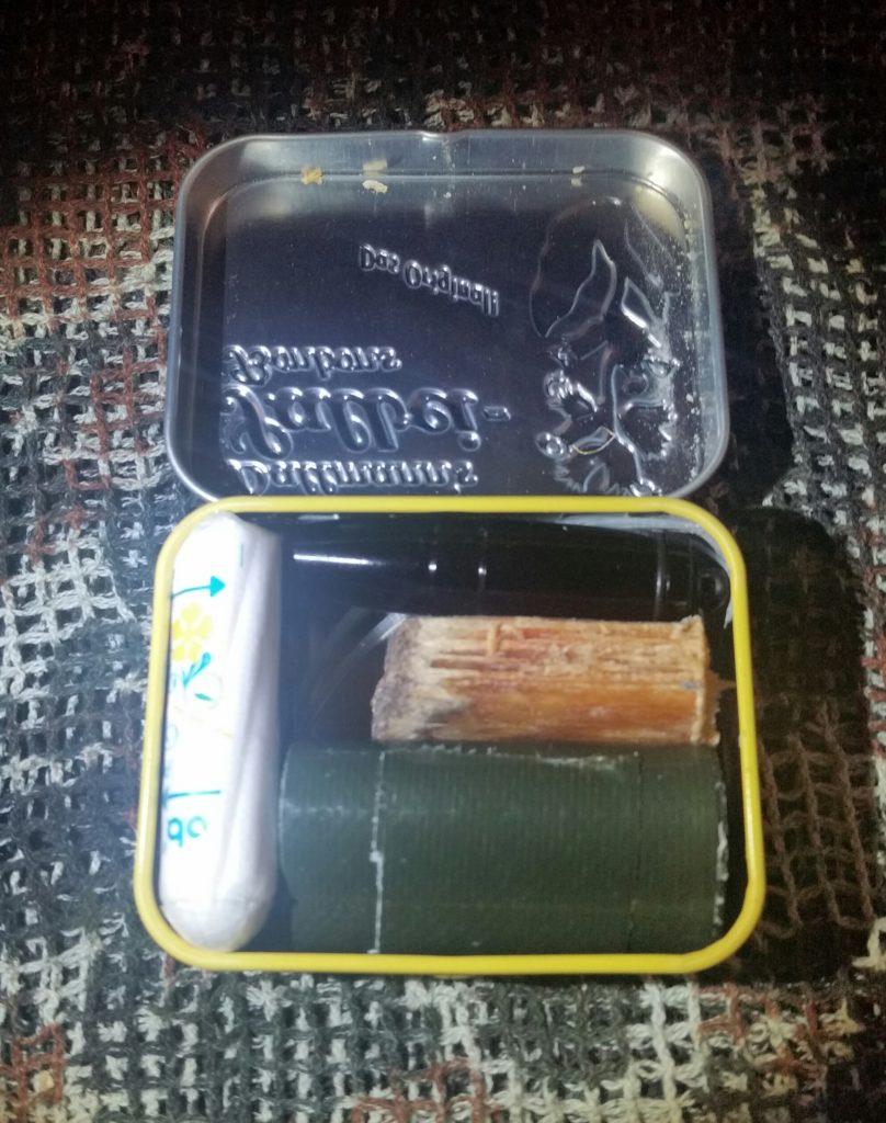 EDC Gear - Das Mini Survival Kit in der Bonbonbox im Vergleich