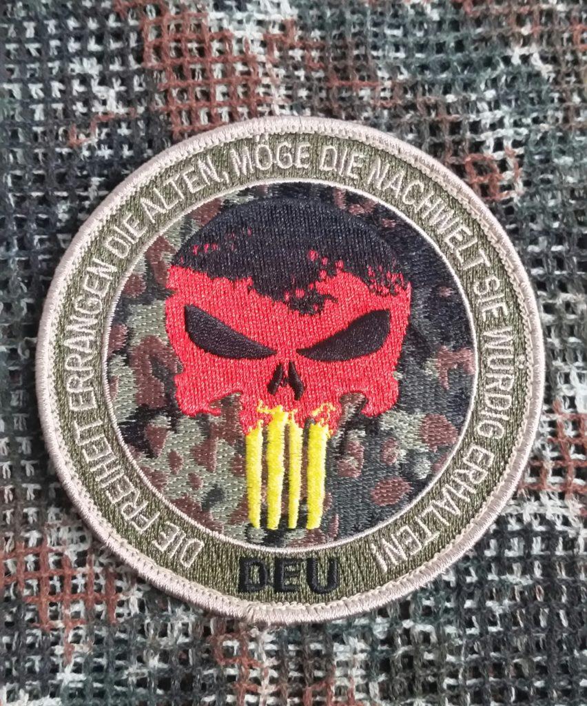 Patch Totenkopf DEU mit Klett