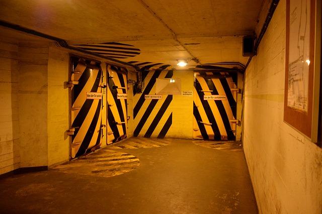 Prepper, Krisenvorsorge - Bunkeranlage zum Schutz