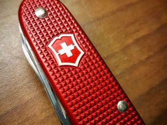 Victorinox Taschenmesser Pioneer X rot