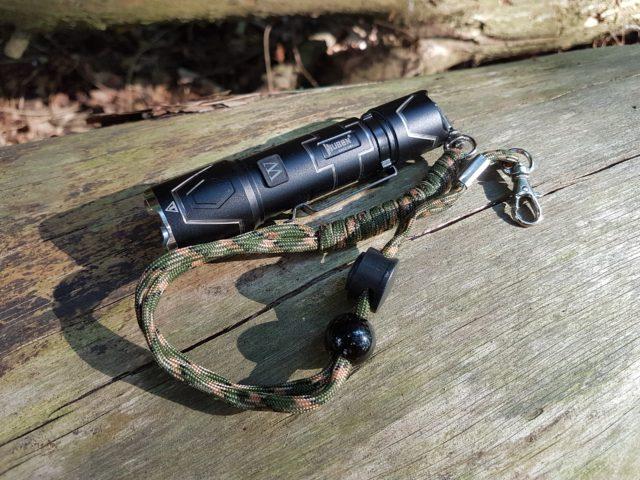 Wuben Black Vulture I332 - Paracord Kordel