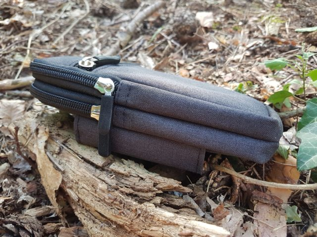 schwarzer Pouch - Doppelter Reißverschluss