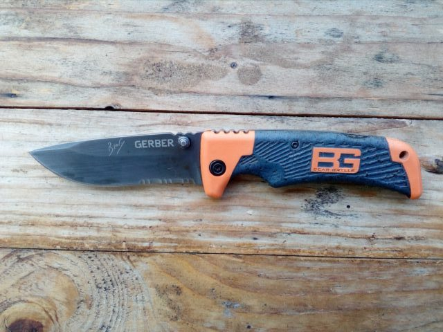 Review Bear Grylls Messer